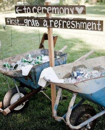 decoration-mariage-theme-champetre-brouette-un-monde-confetti