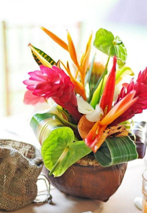 bouquet-table-mariage-tropical-un-monde-confetti