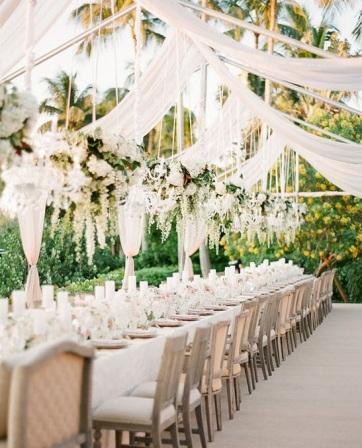 salle-mariage-exterieur-blanc-un-monde-confetti