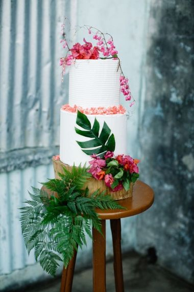 wedding-cake-tropical-2-un-monde-confetti