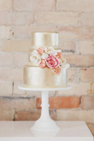 wedding-cake-or-1-un-monde-confetti
